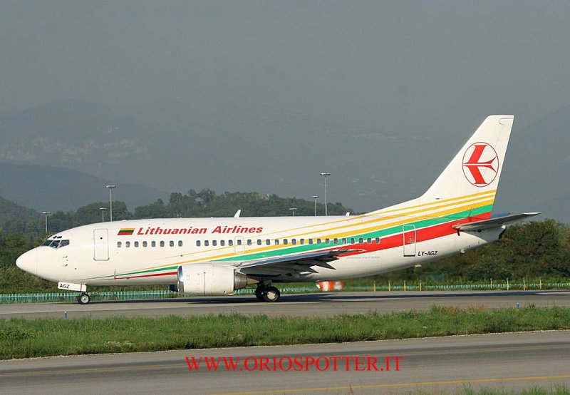 737-500 lithuanian airlines ly-agz