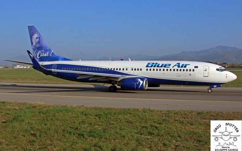 b737-883 wl blue air carlo i yr-bmp